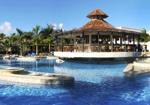 Punta Cana All Inclusive: 06 diárias + Traslados + Seguro