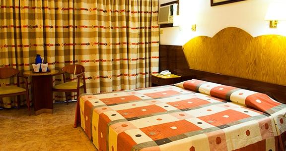 Hotel Versalles***