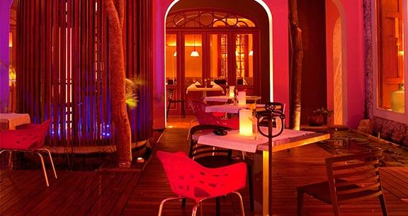 Rosas & Xocolate Hotel Restaurant