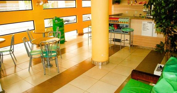 Balneário Camboriú + Beto Carrero: aéreo + hotel c/ café