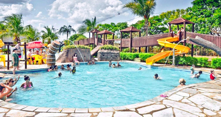 BARRETOS para TODA A FAMÍLIA: Hotel + Café + Acquapark