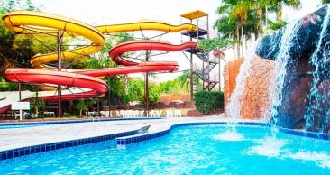 FÉRIAS em CALDAS NOVAS: Aéreo + Hotel + Parque + Seguro