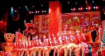 NATAL LUZ: Nativitaten e Grande Desfile de Natal