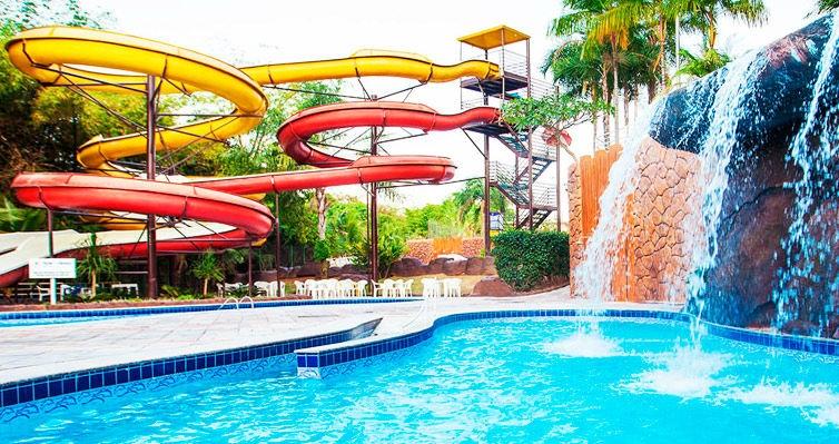 RÉVEILLON em CALDAS NOVAS: Aéreo + Hotel + Parque