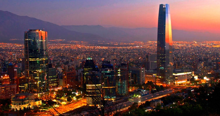SANTIAGO DO CHILE: Aéreo + 4 Noites c/ Café + Seguro