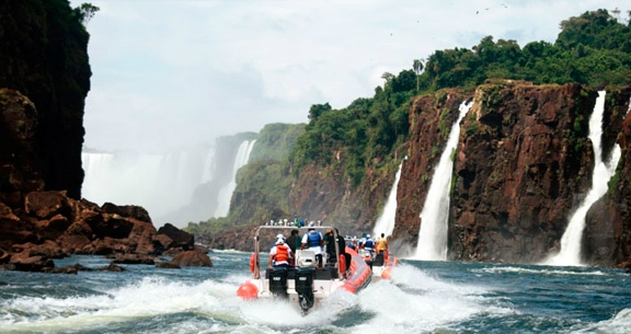 FOZ com Passeio de LANCHA  nas Cataratas+Compras PARAGUAI