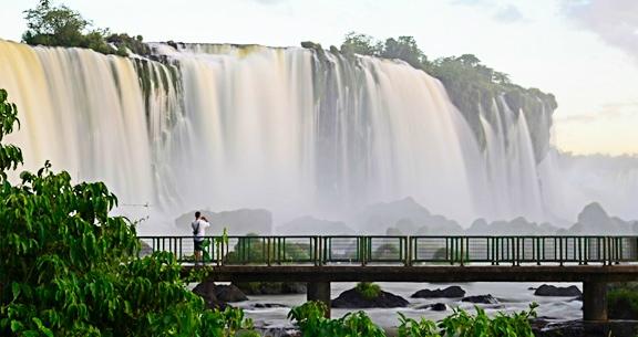 FOZ com Passeio de LANCHA Cataratas + Compras no PARAGUAI