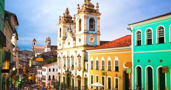 SALVADOR INCRÍVEL: Aéreo + 4 Noites com Café + Seguro