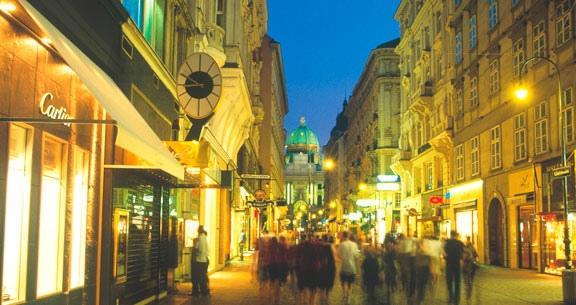 Natal Encantador: PRAGA, BUDAPESTE, ESLOVÁQUIA e VIENA.