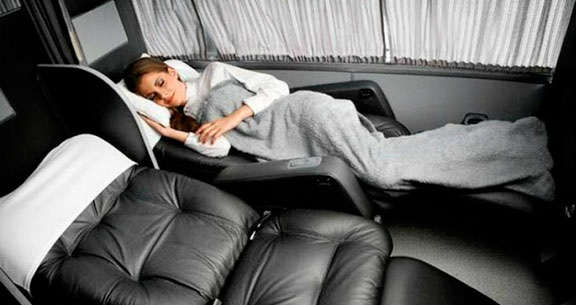 FERIADO em OLÍMPIA: Ônibus Luxo + Meia Pensão + Ingresso