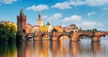 Europa: PRAGA, BUDAPESTE, ESLOVÁQUIA e VIENA.