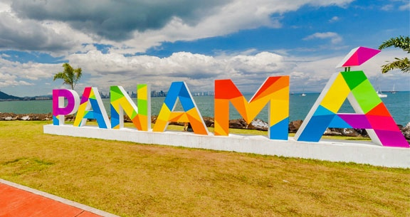 CARIBE + Cidade das COMPRAS: 6 Noites CURAÇAO & PANAMÁ