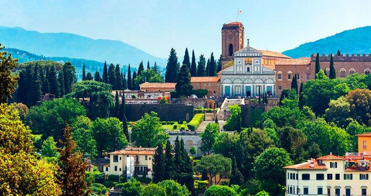 7 Noites em ROMA + Passeio com Almoço em TOSCANA + Carro!