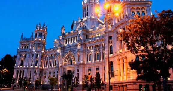 Encantos da ESPANHA: CÓRDOBA + SEVILHA + Trem para MADRI!