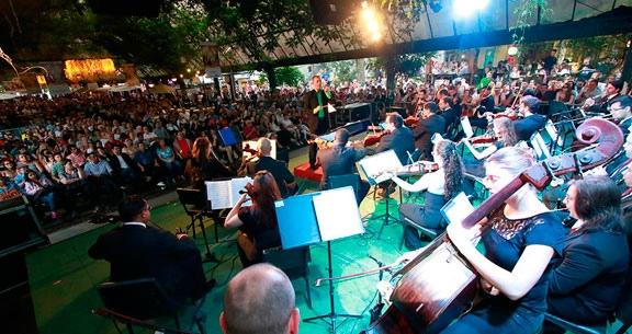 NATAL LUZ em Gramado com BUSTOUR ILLUMINATION SHOW