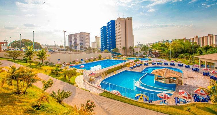 CALDAS NOVAS: Aéreo + Carro + Hotel com Várias PISCINAS