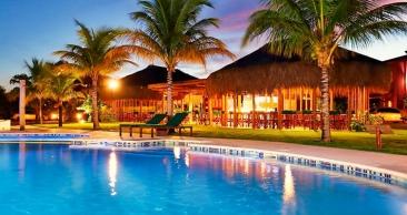 PORTO SEGURO: Hotel 5* com Meia Pensão + Rodízio de Pizza
