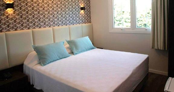 GRAMADO TOP: Hotel na AVENIDA PRINCIPAL + Café e CARRO!