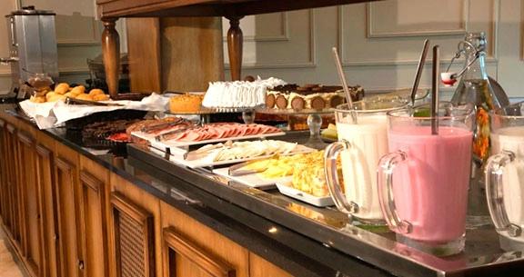 CARNAVAL em GRAMADO: Hotel TOP com Aéreo + Café e CARRO!