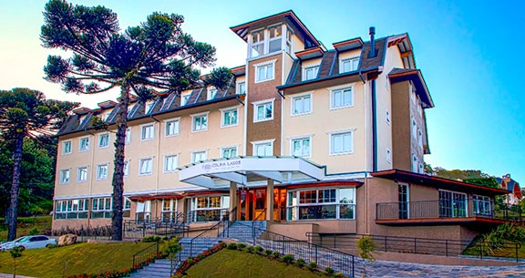 GRAMADO e CANELA: HOTEL na AVENIDA PRINCIPAL + Traslados