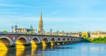 8 NOITES: PACOTE PARIS, BORDEAUX e MADRI com PASSEIO